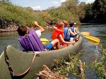 canoeing trip with children and adolescents