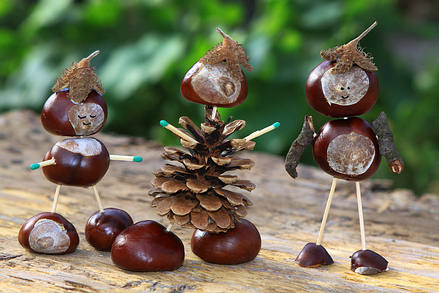 Figurines made from chestnuts, acorns and pinecones