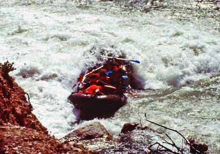 Rafting on der Verdon in south of France - surge of adrenalin