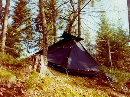 Bivvy in the forest with a kothe (lap tent)